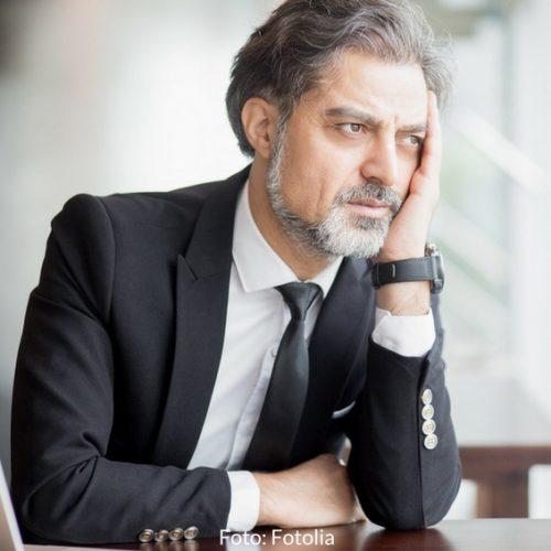 Kündigung erhalten: Was Sie als erstes tun sollten. Wenn Ihr Arbeitgeber Ihnen mitgeteilt hat, dass man sich von Ihnen trennen will, bewahren Sie – trotz emotionaler Betroffenheit – möglichst einen kühlen Kopf. Vier Dinge sollten Sie jetzt bedenken.